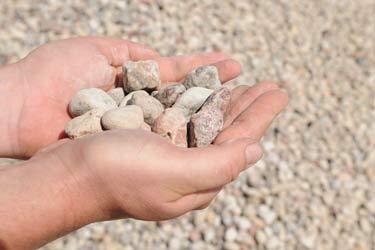 Żwir brązowy niepłukany lubelskie. Kamień ozdobny naturalny