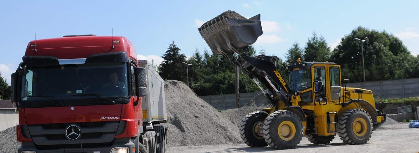 podbudowa dróg lubelskie / lublin. Załadunek transport